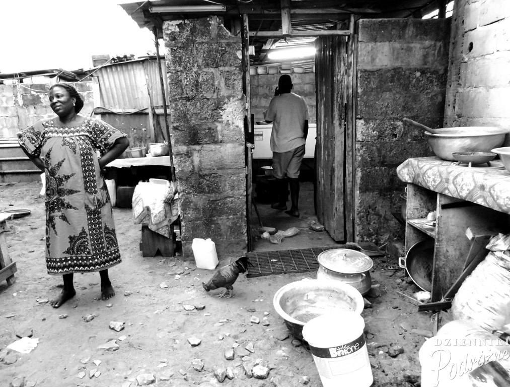 spacer ulicami Port-Gentil (drugiego największego miasta w Gabonie)