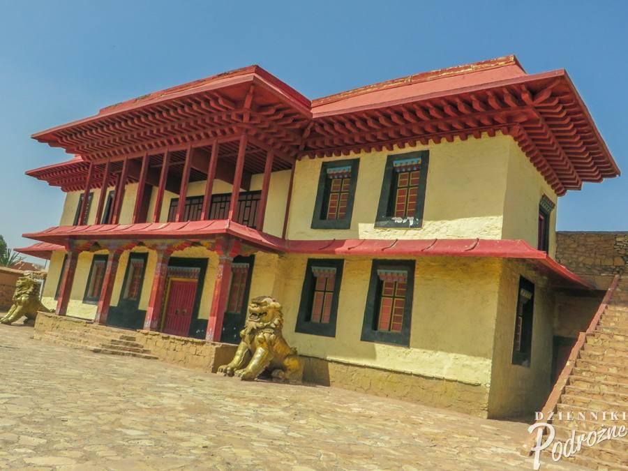 """budynek stworzony na potrzeby filmu """"Kundun"""""""